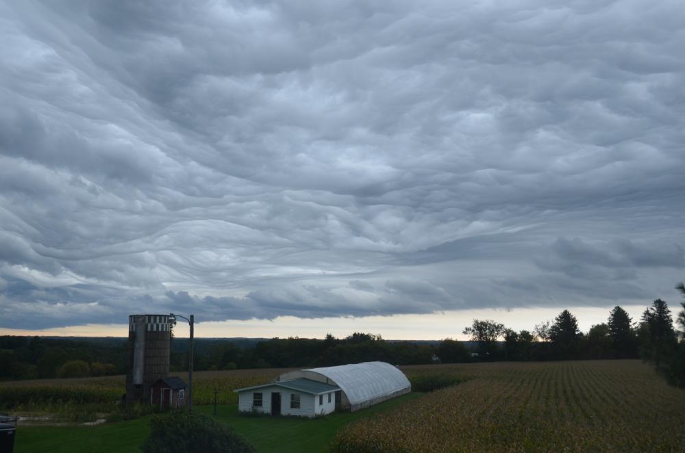 storm-over-farm